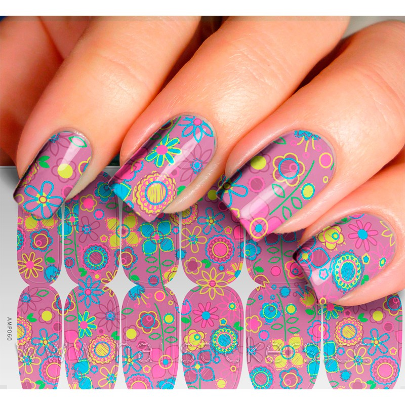 ABSTRACT FLOWER NAIL ART PHOTO FOR TEENS